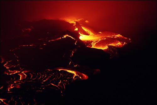 Раскаленная лава. Фото, фотография картинка